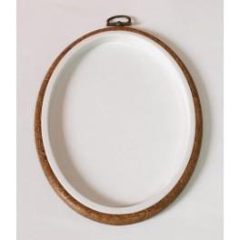 915-53 Embroidery hoop-frame oval 13 x 17,5 cm