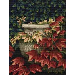 AN 4298 Plant pot with ivy - Tapestry aida