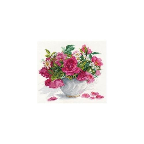 Zestaw z muliną - Kwitnący ogród. Róże i stokrotki