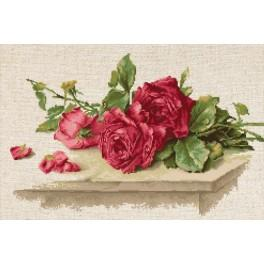 Cross stitch kit - Red roses