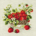 Cross stitch kit - Garden Strawberry