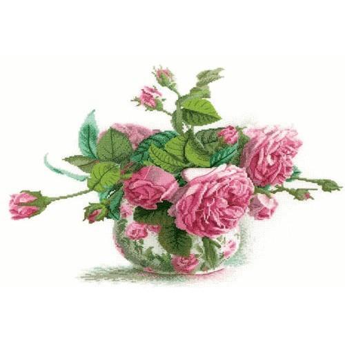 ZTM 202 Cross stitch kit - Roses in the vase