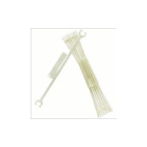 Spatulas for cotton threads.