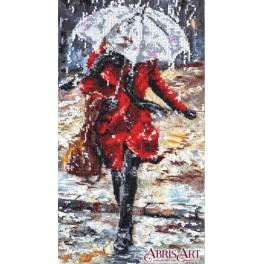 Set with beads - Woman in the rain