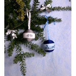 Cross stitch kit - Christmas balls (nave-blue and silver)
