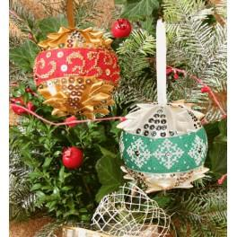 Cross stitch kit - Christmas balls with sequins