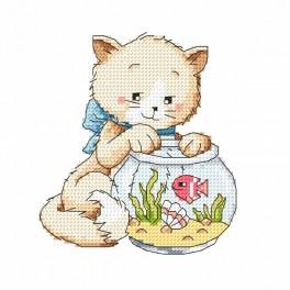 W 8723 Pattern online - Playing with a fish