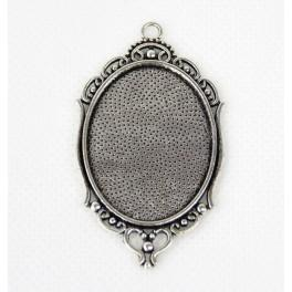 Medallion base oval silver colour 30x40mm ornament