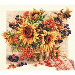 Cross stitch kit - Rowanberries garland