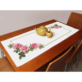 Cross stitch kit with a runner - Table runner with roses 3D