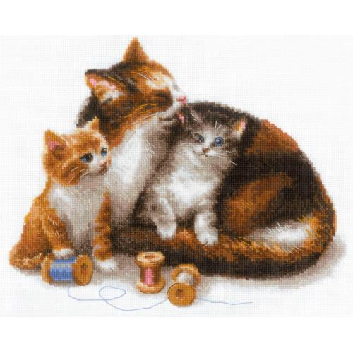 RIO 1811 Kit with yarn - Cat with kittens