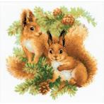 Kit with yarn - Squirrels