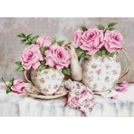 LS B2320 Cross stitch kit - Morning tea and roses