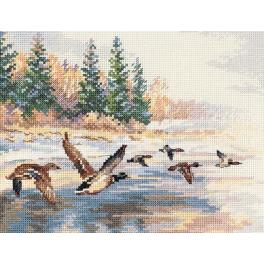 ALI 3-27 Cross stitch kit - Flying ducks