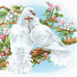 Kit with yarn - White doves