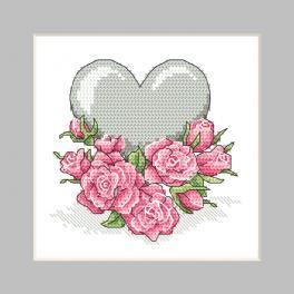 ZU 10326-02 Cross stitch kit - Postcard - Heart with roses