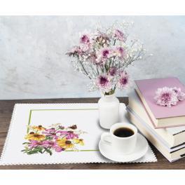 ZU 10469 Cross stitch kit - Napkin with flowers