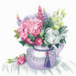 RIO 1931 Cross stitch kit with mouline - Floral charm
