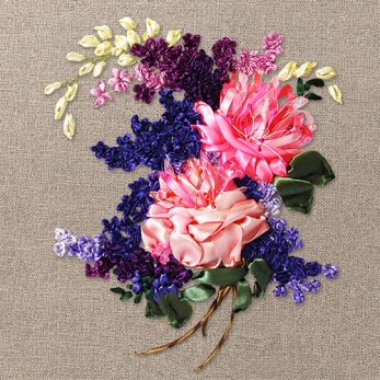 Discover the beauty of natural linen and colourful flowers
